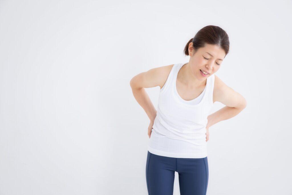 梨状筋症候群で腰痛に悩む女性