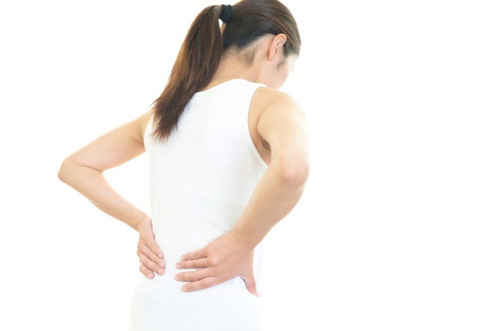 梨状筋症候群に悩む女性