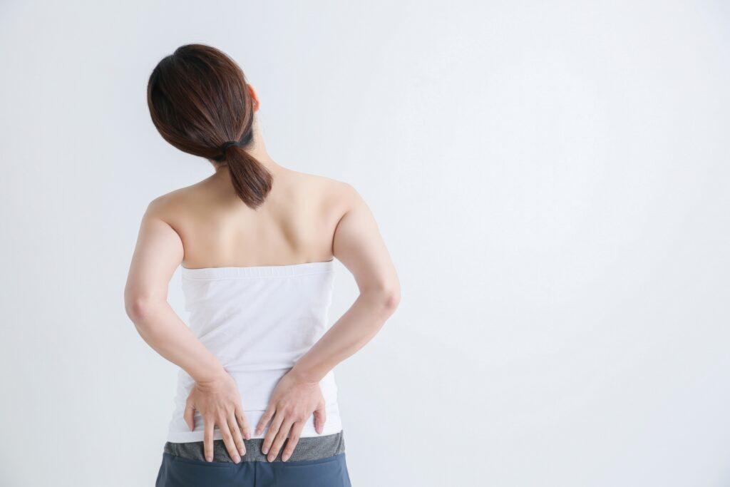 仙腸関節の痛みがある女性